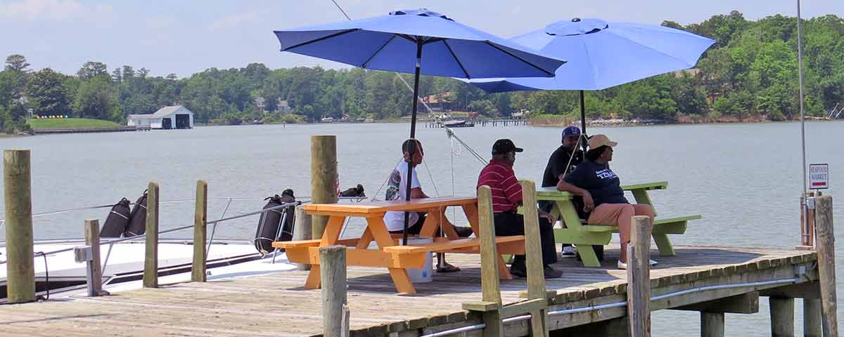 Waterside pier dining in Urbanna VA